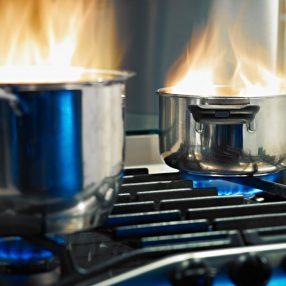 Jak uratować przypalony garnek?