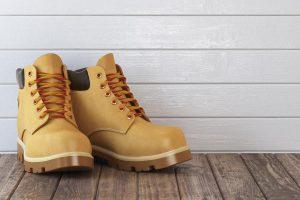 Czyszczenie zamszowych butów