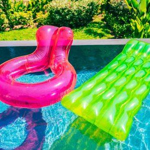 Jak oczyścić wodę w basenie