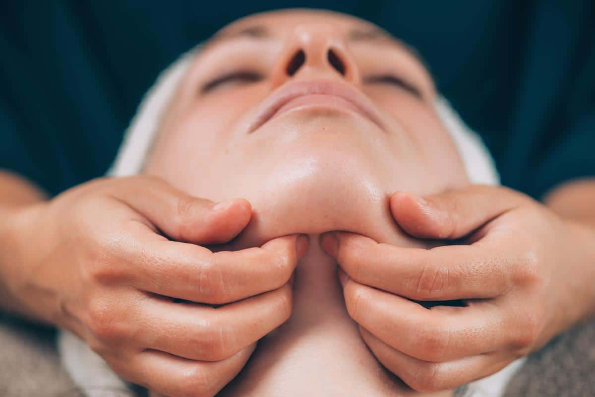 Drugi podbrudek masaż