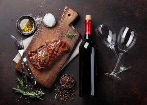 Wino na przesolone mięso