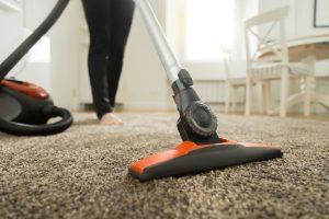 Brudny dywan czyszczenie