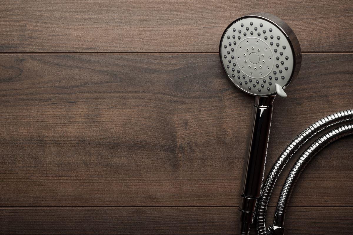 Jak wyczyscić słuchawkę prysznicową
