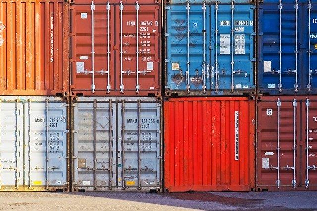 Suteczne sprowadzanie towaru z Chin