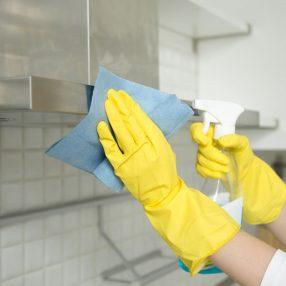 Domowe sposoby na czyszczenie okapu