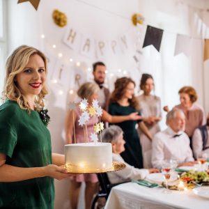 Jak udekorować tort