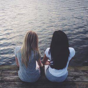 Relacje przyjacielskie na odległość